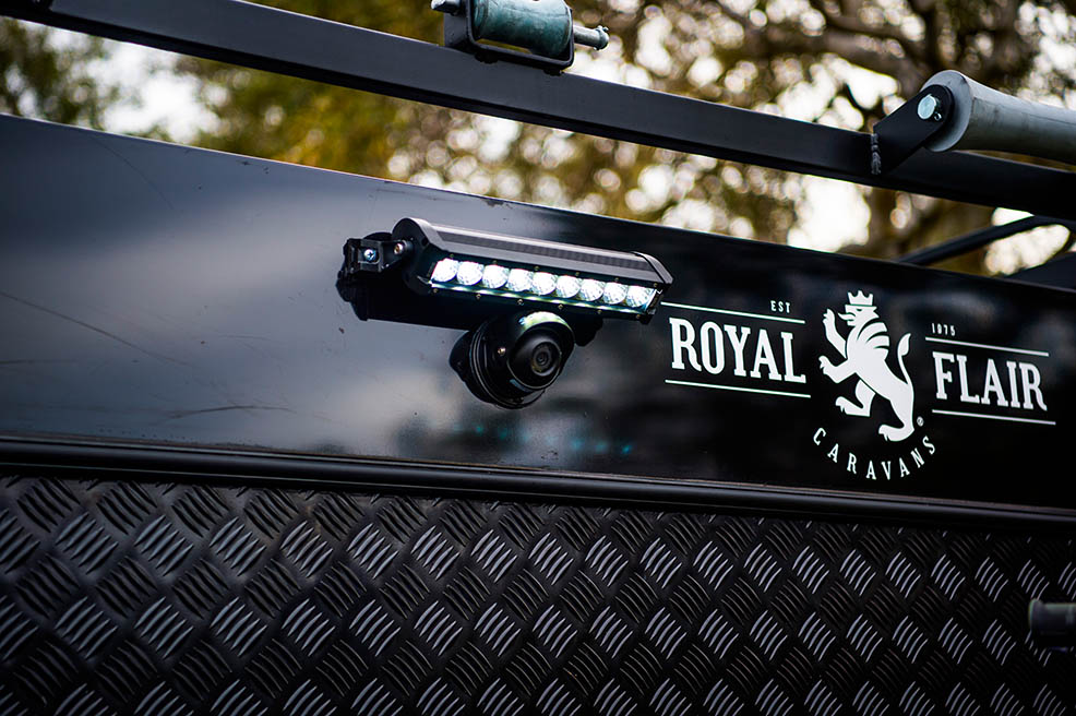 Royal Flair Raptor exterior